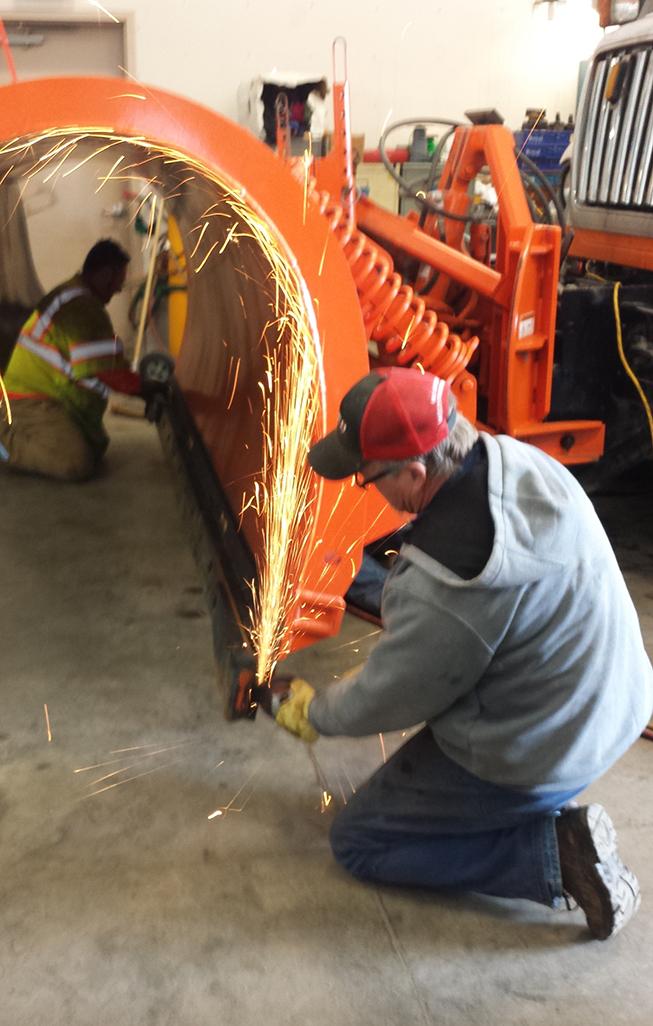 Snow removal blade_ Snow plow