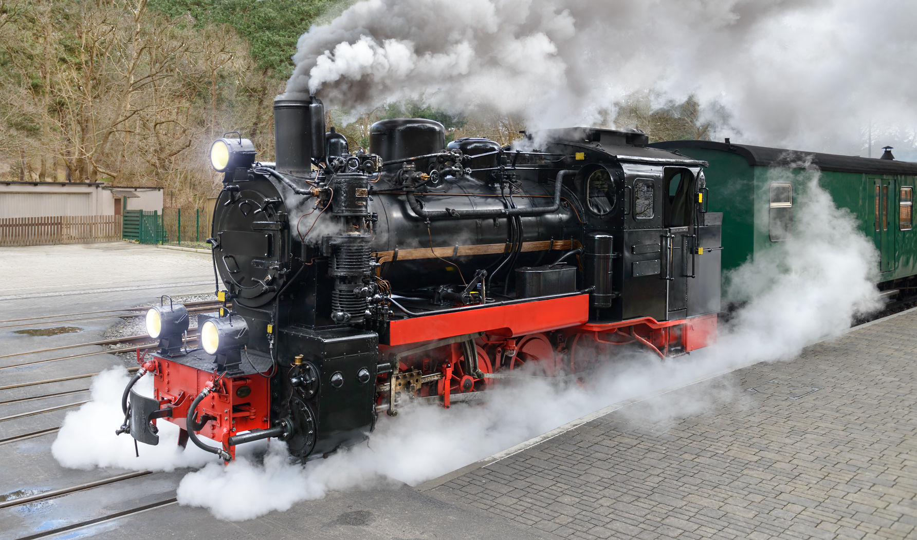 Locomotive engine