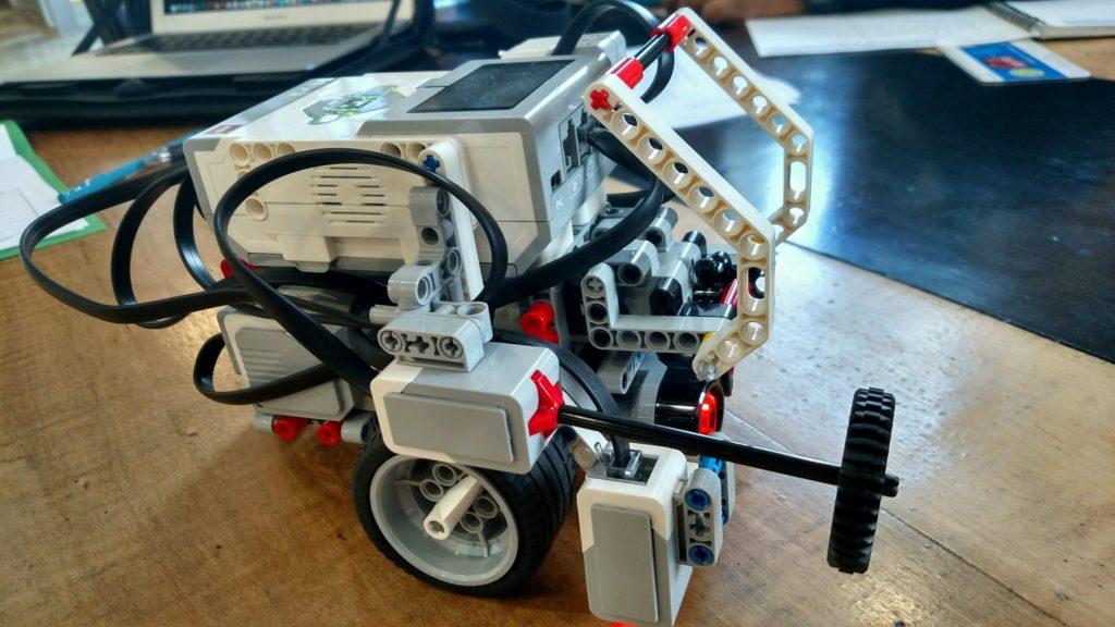 Lego robotas rinkinys