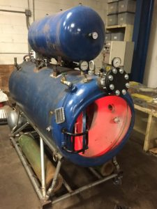 hyperbaric chamber side view