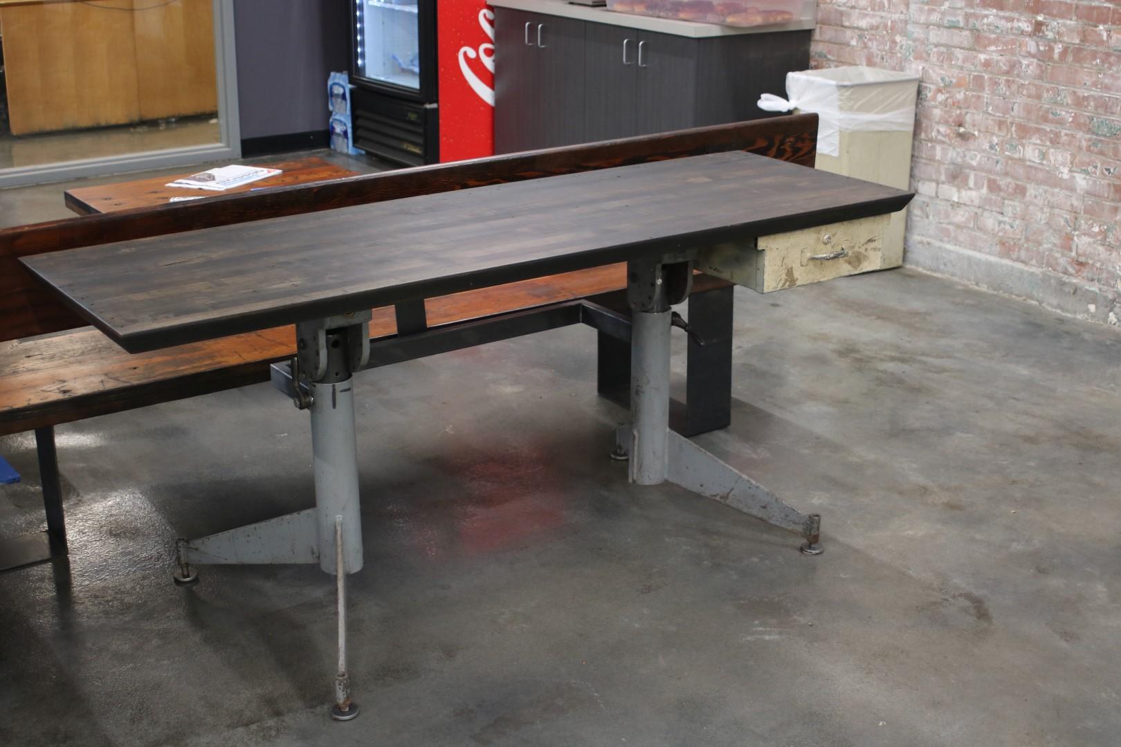 44 Steel desk