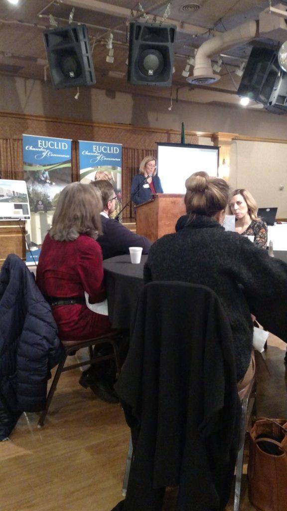 شهردار اقلیدس Kirsten Holzheimer Gail